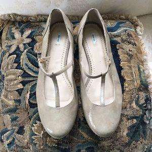 Kimchi Blue Cream Maryjane Shoes Flats Size 9